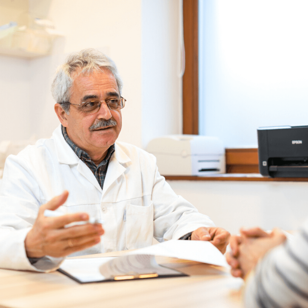 Gasztroenterológia vizsgálat közben Dr. Pakodi Ferenc pécsi gasztroenterológus.